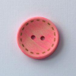 Bouton en bois fausses coutures rose clair