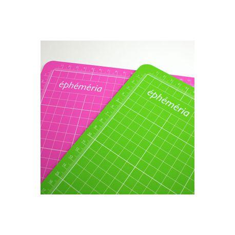 Tapis de coupe vert