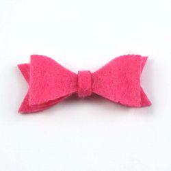 Noeud en feutrine rose