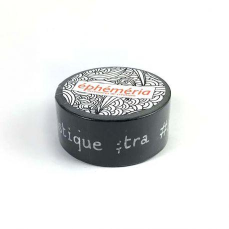 Masking Tape mots hashtag fond noir