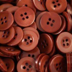 Boutons marron résine 1,6cm (lot de 100)