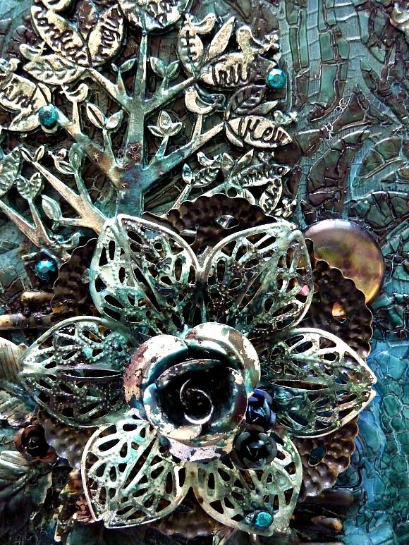 Roses et rosaces métal, breloques, strass Ephéméria by Corinne de France