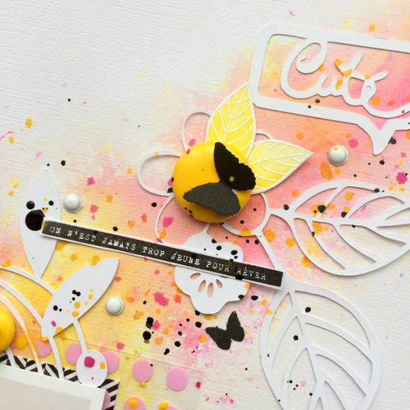 Papiers, bulle de cuir jaune et pastilles Ephéméria by Tribucosta