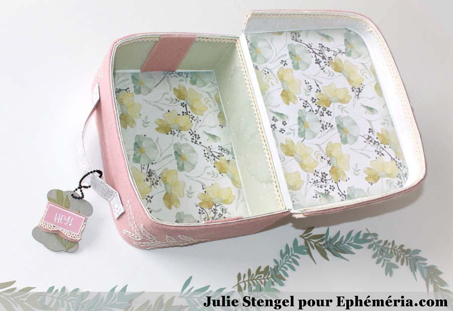 Valisette verte et rose home déco by Julie - intérieur