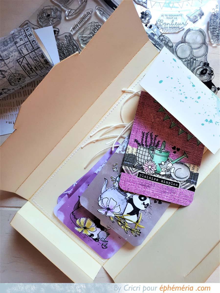 CUstomisation de la boite d'emballage de notre Box Pocket Life par Cricri