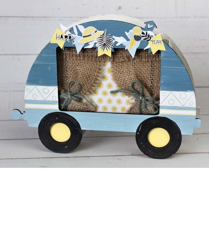 Mini album scrapbooking en forme de Caravane bleue réalisé par Julie pour éphéméria